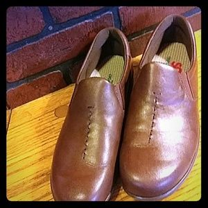 SAS brown leather loafers. 8 1/2 N